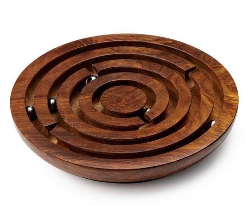 Wooden-Labyrinth-game-traditional-crafts-of-india-520x520
